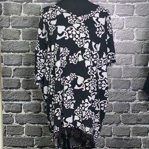 Lularoe Irma Black White Plus Size 2X